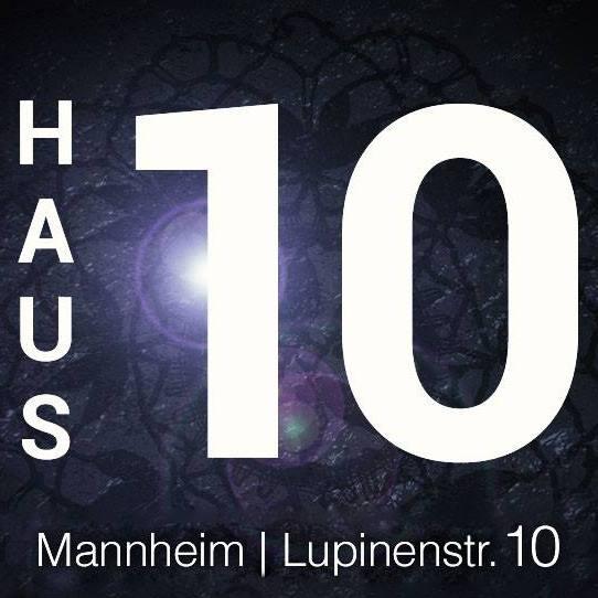 GERMANIA - Laufhaus 10